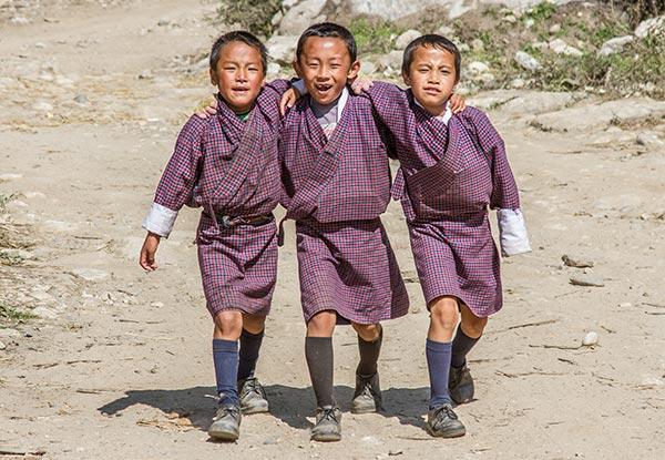 Enfants heureux au Bhoutan